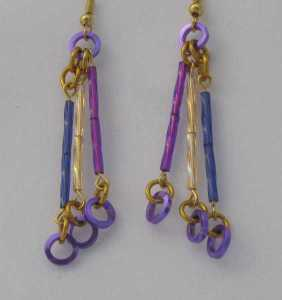 Anodized aluminum square wire rings and glass bugle beads colors: purple and gold weave: 1 in 1 size: 2  1/8